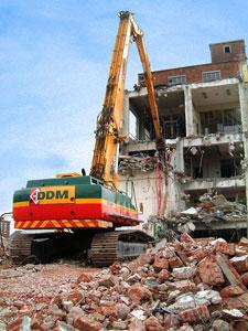 Демонтажные работы (снос домов) в Казани.
