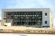 Строительство торгового здания под ключ (светопрозрачные конструкции, отделка фасада композитными материалами, кровельные работы)